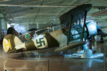 J 8 Gloster Gladiator