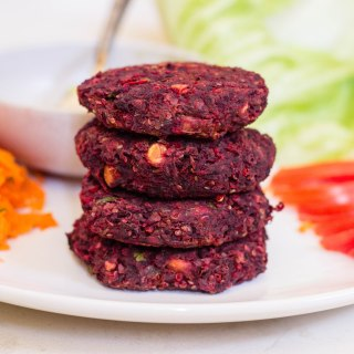 Vegan Beetroot Veggie Burgers with Dill Sauce