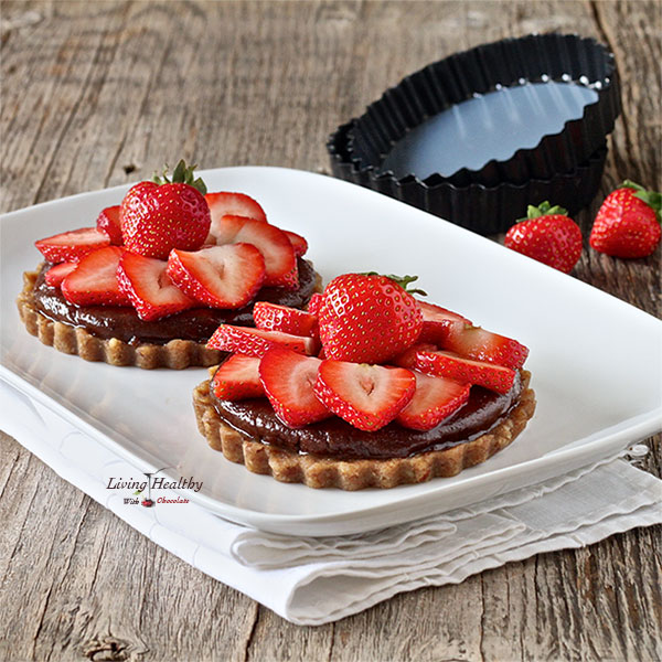 LivingHealthywithChocolatePaleo-Strawberry-Tart-With-Homemade-Nutella-living-healthy-with-chocolate