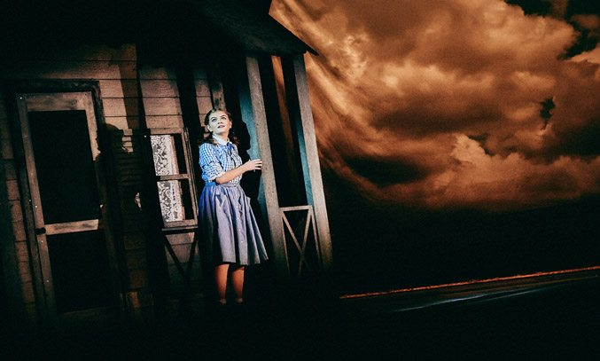 Holly Tandy as Dorothy in THE WIZARD OF OZ
