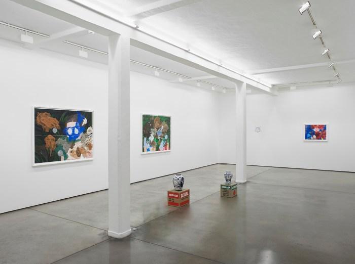 Eduardo Sarabia exhibition view, Maureen Paley, London, 2018 © Eduardo Sarabia, courtesy joségarcía ,mx, Mexico City and Maureen Paley, London