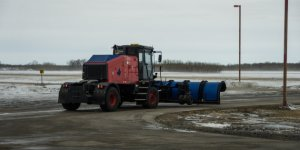 Winnipeg Airport Unveils Self-Driving Snowplow Named Otto