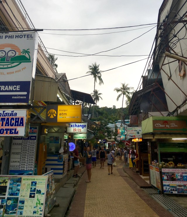 Ton Sai Bay street