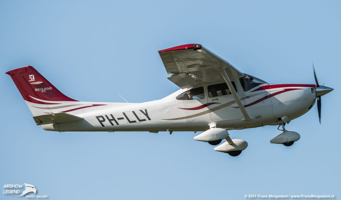 PH-LLY Cessna T182T Turbo Skylane Airshow Legend