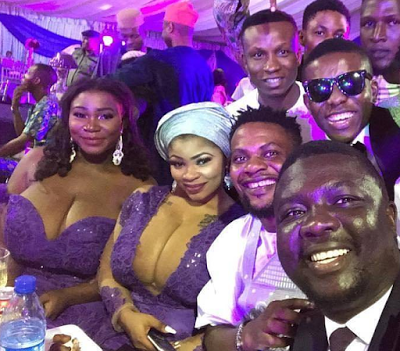 These Sisters With Seyilaw at Oritsefemi's Wedding Are Blessed, Naturally Endowed!!!