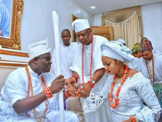 The Ooni of Ife welcoming his new wife, Evangelist Naomi into the palace