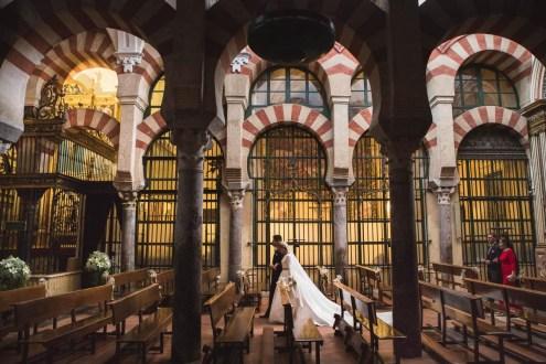 pareja en la mezquita de cordoba