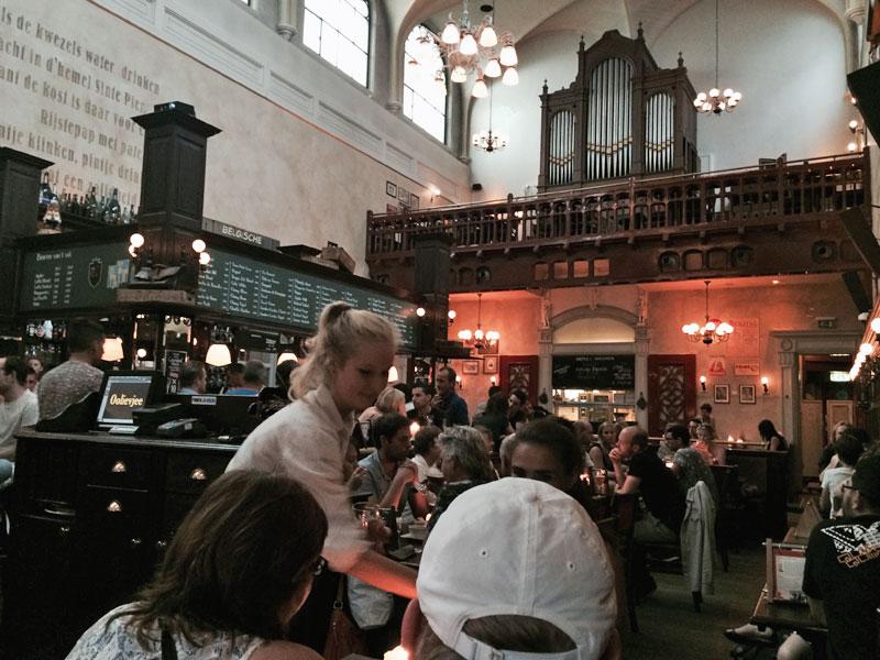 Das Café Olivier in einer ehemaligen Kirche