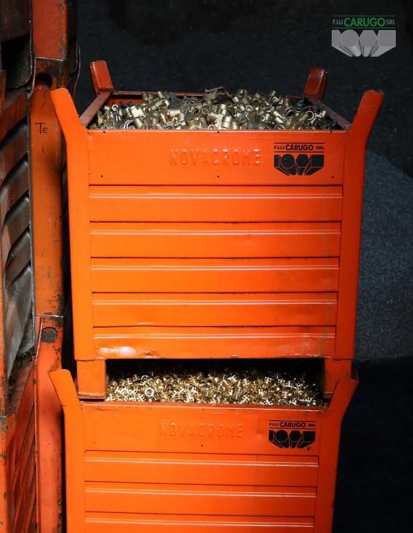 container per sfridi metallici