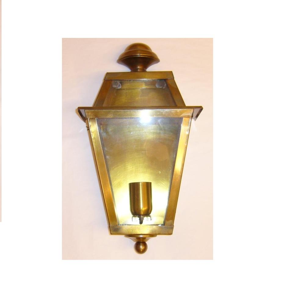 Home / illuminazione e materiale elettrico / illuminazione da esterno / lanterne. B006 Brass Lantern Cm 40 X 22 Fratelli Pinci