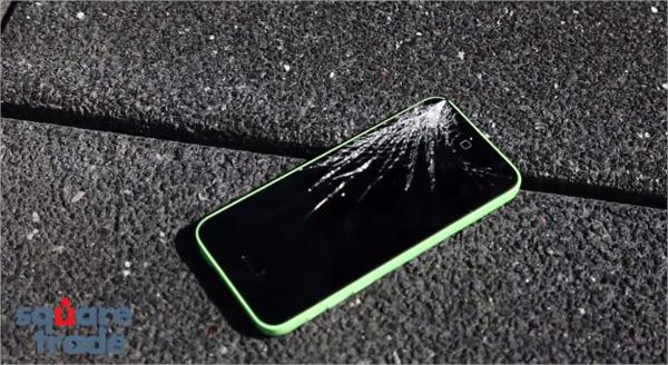 Confronto resistenza iPhone 5S, iPhone 5C, Moto X e Galaxy S4