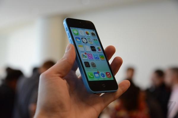iPhone 5C vs smartphone Android economici