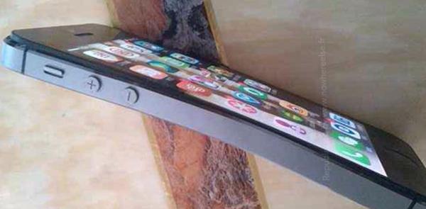 iPhone 5S meno resistente di iPhone 5: Può piegarsi!