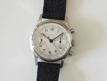 Gallet Multichron 45 slim crown and well-sized pushers