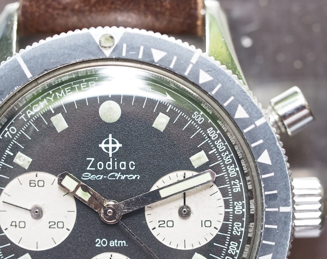 A close up up the fantastic bezel and the lovely matte dial on the Zodiac Sea-Chron