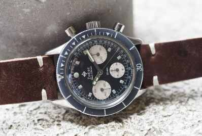 The thickly applied tritium on the Zodiac Sea-Chron still glows for 20-30 after seeing bright light
