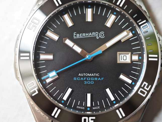 The Eberhard Scafograf 300 dial - showing the date wheel with serif font