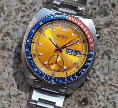 Note the step down of the single register for the 30 minute totalizer on the Seiko 6139 Pogue