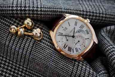 - The Drive the Cartier in pink gold with Cartier 3 color cufflinks -
