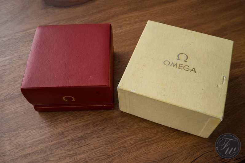 omega-speedmaster-105-012-66-red-racing-08455