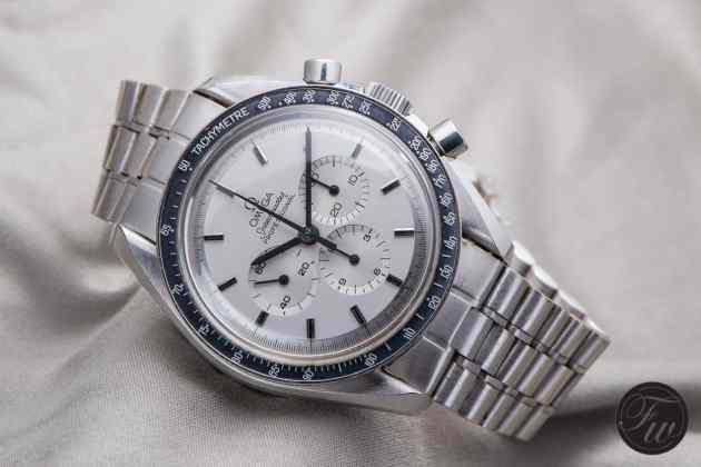 omega-speedmaster-white-gold-8920