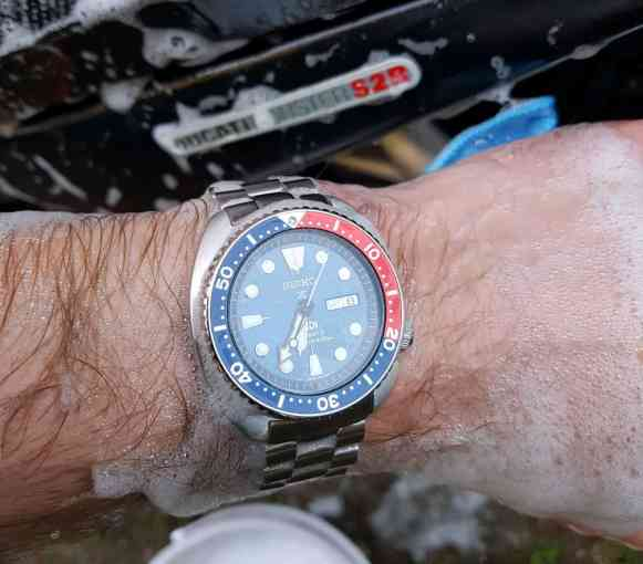 Seiko PADI, soap and a Ducati