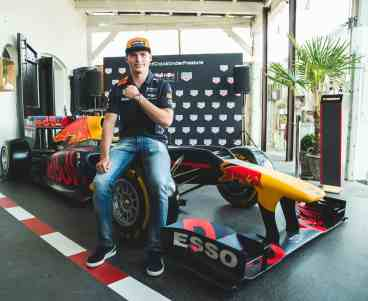 TAGHeuer_Max Verstappen and his new Special Edition (3)