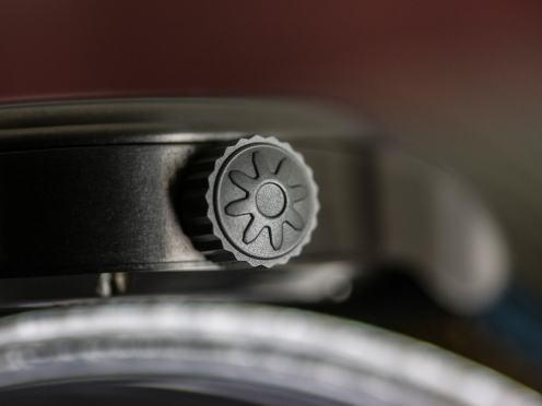 pinion-tt-athracite-titanium-gmt-watch-005