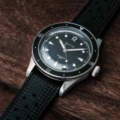 Aquascaphe-black-silver-tropic