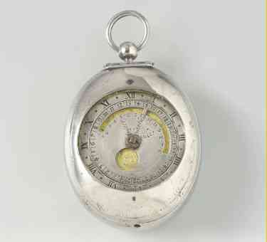 Egg shaped silver necklace watch with hour, day, month and tide complication, Jan Janse Bockels, appr. 1625 - 1650 (hands are missing)
