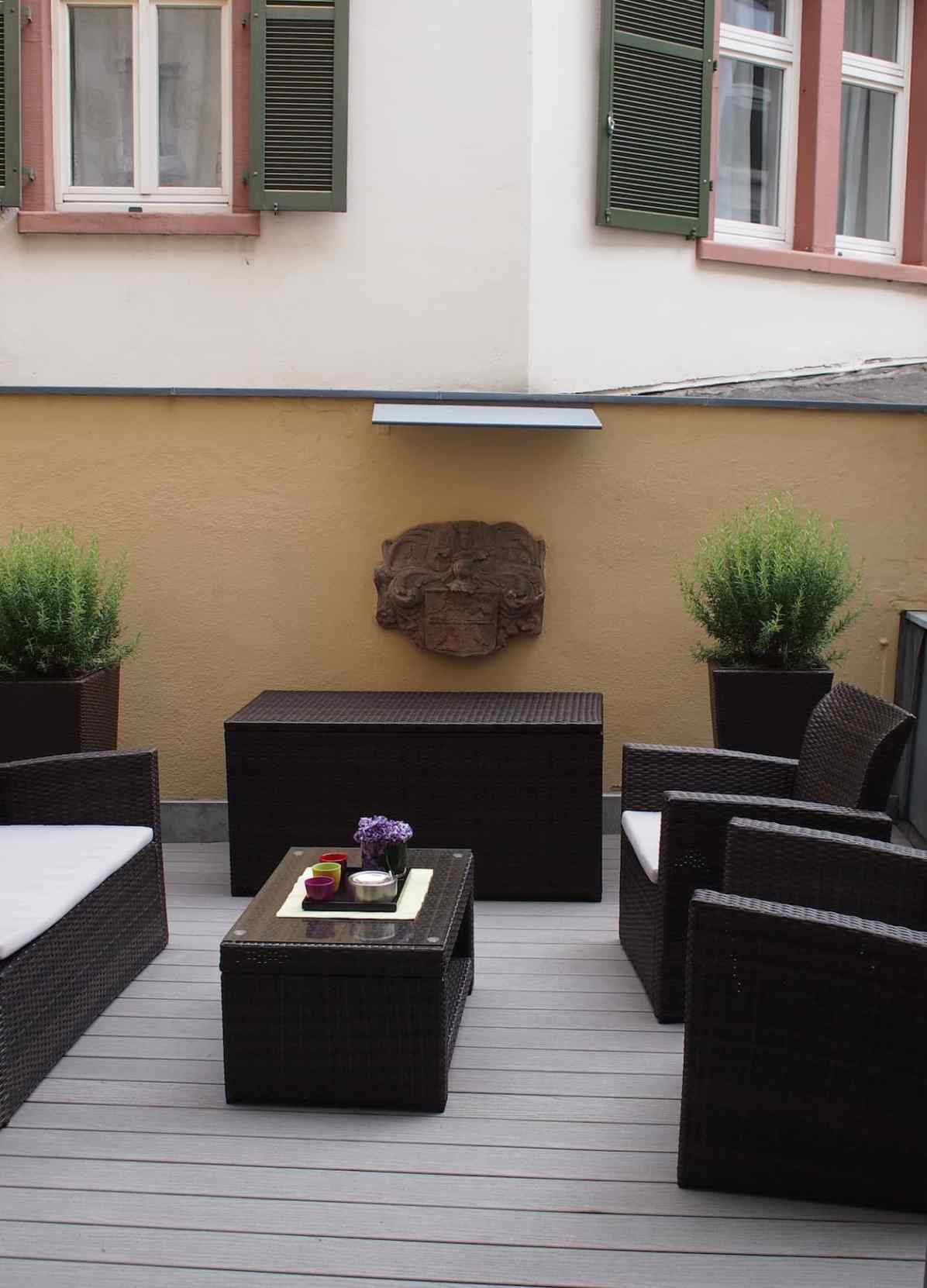 The upstairs terrace