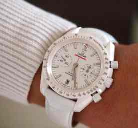 Speedmaster White Side of the Moon on a female wrist