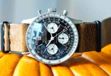 Breitling Navitimer 806 enjoying the Fall :)