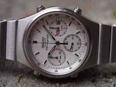 Seiko 7A38 dial close up