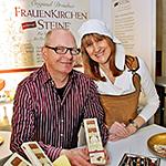 Dresdner Frauenkirchensteine mit SchokoladenmŠdchen auf der Mess