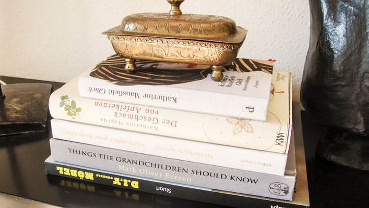 beitrag_decorate_books_fraumau2