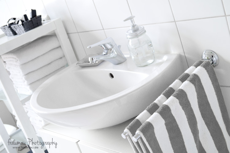 blackandwhite_bathroom_fraumau_beitrag2