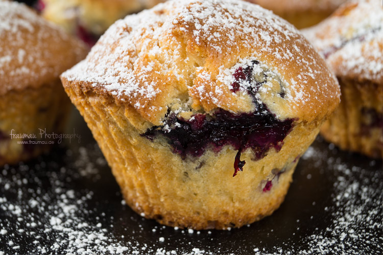 whitechocolate_blueberry_muffins_fraumau_8