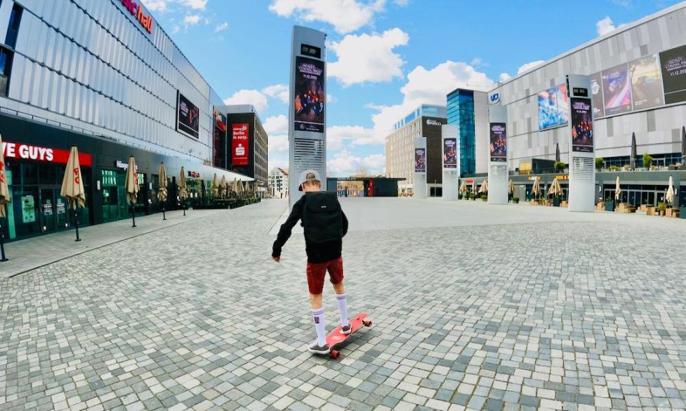 Ela Mo Daypack Flo Stunt Longboard
