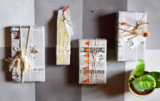 Newspaper-gift-wrap-gift-idea