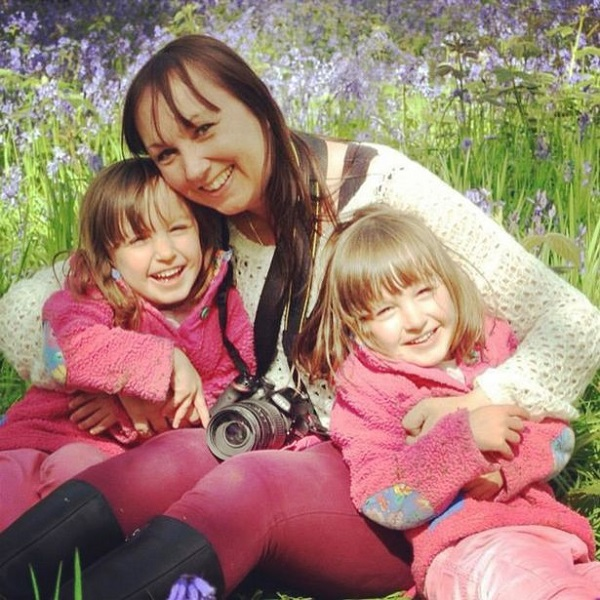 Lisa Wildgoose with daughters