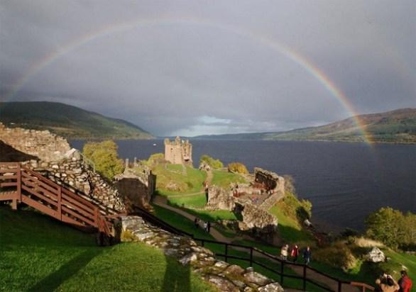 urquhart-castle-ruins-loch-ness
