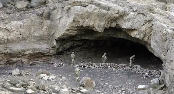 8 USA soldiers disappear inside Afghan cave