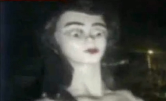 Creepy blinking manniquin
