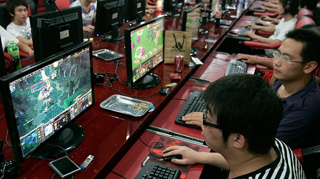 Taiwanese men die from gaming internet cafe