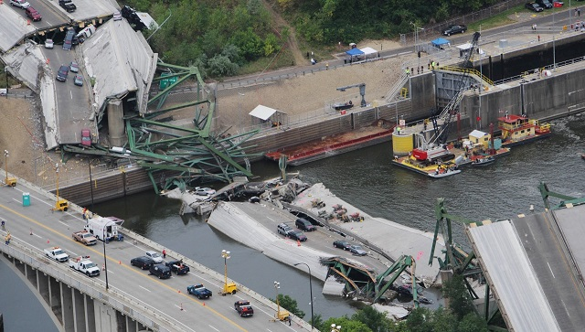 I-35W bridge collapse Getty Images