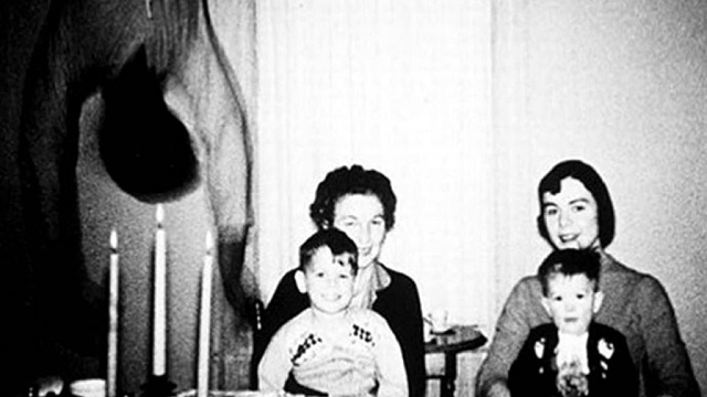 Cooper family hanging ghost photo