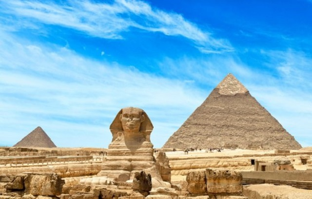 Pyramid of Khufu passage found by man digging in his backyard