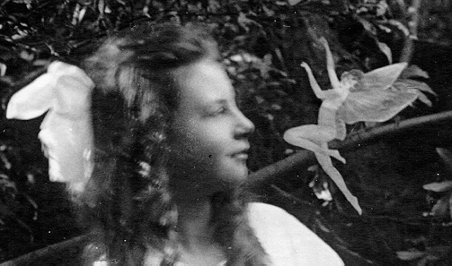 Fairy photo in Cottingley England