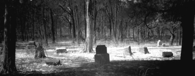 Image: Bachelor's Grove Cemetery/By Cobra97 at Wikipedia